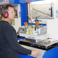 Brad flow bench testing cylinder head
